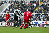 Photo: Andrew Unwin.<br /> Newcastle United v Liverpool. The Barclays Premiership. 19/03/2006.<br /> Liverpool's Steven Gerrard (L) fires home his team's second goal.