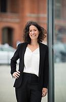 DEU, Deutschland, Germany, Berlin, 25.08.2021: Portrait von Bettina Jarasch, Kandidatin der Berliner Grünen für das Amt der Regierenden Bürgermeisterin von Berlin.