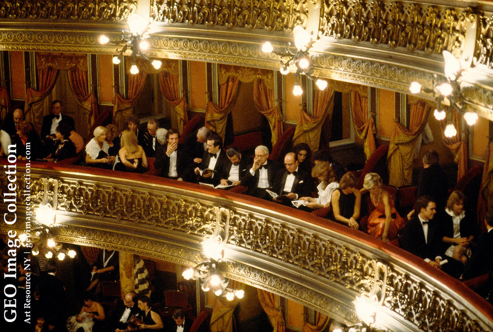 Wealthy Argentinians attend the opera.