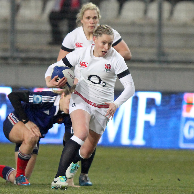 Natasha Hunt in action. France Women v England Women in the Six Nations 2014 at Stade des Alpes, Grenoble, France on Saturday 1st February 2014, kick off 2055
