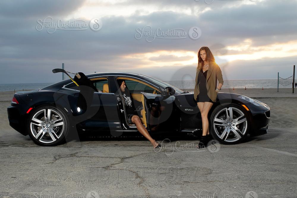 7 November 2012:  George and Tiffany Parros photographed at El Segundo Beach for The Hockey News.