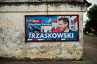 Tykocin, woj. podlaskie, 10.07.2020. N/z plakat wyborczy Rafala Trzaskowskiego na budynku fot Michal Kosc / AGENCJA WSCHOD