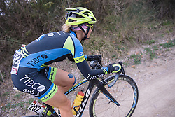 Kendall Ryan battles the double digit gradients - 2016 Strade Bianche - Elite Women, a 121km road race from Siena to Piazza del Campo on March 5, 2016 in Tuscany, Italy.