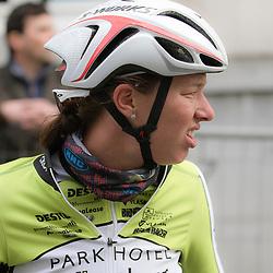 GENT (Bel): De omloop het Nieuwsblad is de openingskoers in BeNeLux.  De wedstrijd door de Vlaamse Ardennen is bij de vrouwen dit jaar aan zijn 10e editie toe.<br />Janneke Ensing