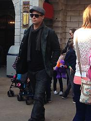 Sonderkonditionen! Mindesthonorar! Exklusiv: Brad Pitt, Angelina Jolie beim Besuch im Legoland Windsor / November 2015