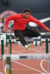 Olympic Trials Eugene 2012: men's 110 Hurdles, Ryan Wilson warmup
