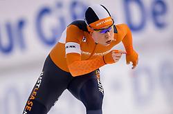 29-12-2016 NED: KPN NK Afstanden, Heerenveen<br /> De 21-jarige Antoinette de Jong zette met 4.02,76 haar snelste drie kilometer ooit neer op het ijs van Thialf en pakt het zilver op het NK