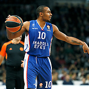 Anadolu Efes's Dontaye Draper during their Turkish Airlines Euroleague Basketball Group A Round 5 match Anadolu Efes between Real Madrid at Abdi ipekci arena in Istanbul, Turkey, Thursday, November 14, 2014. Photo by Aykut AKICI/TURKPIX