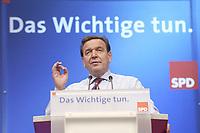 18 NOV 2003, BOCHUM/GERMANY:<br /> Gerhard Schroeder, SPD, Bundeskanzler, SPD Bundesparteitag, haelt eine Rede, unter dem Parteitagsmotto: Das Wichtige tun, Ruhr-Congress-Zentrum<br /> IMAGE: 20031118-01-093<br /> KEYWORDS: Parteitag, party congress, SPD-Bundesparteitag, Gerhard Schröder, Hemd
