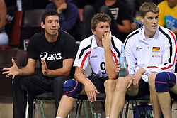 17.09.2010, Arena Ludwigsburg, Ludwigsburg, GER, Vorbereitung Volleyball WM 2010, Laenderspiel Deutschland ( GER ) vs. Brasilien ( BRA ) 3:2, im Bild verletzter Kapitaen Bjoern Andrae (#5 GER / Kemerovo RUS), Stefan Huebner (#9 GER / Dueren GER), Christian Duennes (#13 GER / Dueren GER). EXPA Pictures © 2010, PhotoCredit: EXPA/ nph/   Conny Kurth+++++ ATTENTION - OUT OF GER +++++