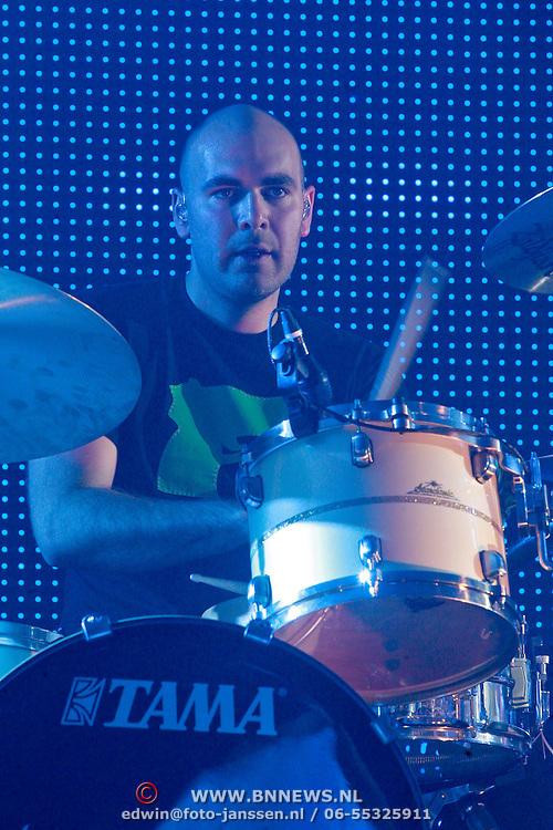 NLD/Rotterdam/20110422 - Concert Single's Only van Kane, drummer Joost Kroon