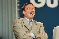 07.10.1995, Germany/Berlin:<br /> Gerhard Schröder, SPD, Ministerpräsident Niedersachsen, Kundgebung auf dem Alexanderplatz zum 50. Jahrestag der Wiedergründung der SPD<br /> IMAGE: 19951007-02/02-18<br />   <br />  <br />  <br /> KEYWORDS: Schroeder