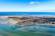 Nederland, Friesland, Terschelling, 28-02-2016; West-Terschelling met baai De Plaat. In de dorpskern vuurtoren Brandaris.<br /> Wadden island Terschelling with village West-Terschelling, Wadden sea. <br /> luchtfoto (toeslag op standard tarieven);<br /> aerial photo (additional fee required);<br /> copyright foto/photo Siebe Swart