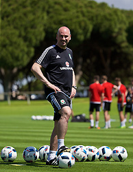 VALE DO LOBO, PORTUGAL - Wednesday, May 25, 2016: Wales' performance psychologist Ian Mitchall during day two of the pre-UEFA Euro 2016 training camp at the Vale Do Lobo resort in Portugal. (Pic by David Rawcliffe/Propaganda)