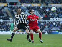 Photo. Andrew Unwin, Digitalsport<br /> Newcastle United v Liverpool, Barclays Premiership, St James' Park, Newcastle upon Tyne 05/03/2005.<br /> Liverpool's Luis Garcia (R) looks to hold off Newcastle's Lee Bowyer (L).