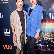 NLD/Hilversum/20160621 - Filmpremiere Independence Day Resurgence, Loiza Lamers en vriendin
