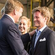 NLD/Utrecht/20190308  - Willem-Alexander geeft het startsein vd 'Week voor de Gezonde Jeugd', Koning Willem Alexander begroet zijn neef Prins Pieter Christiaan