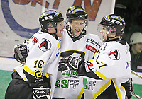 Ishockey , 12. Januar 2008 , GET-ligan , Comet - Stavanger , Brendan Brooks gratuleres av lagkammerater etter sin 3-2 scoring for Stavanger , Foto: Thomas Andersen , Digitalsport