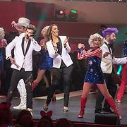 NLD/Amsterdam/20171223 - The Christmas Show 2017 in de Ziggo Dome, Cast Buddy Vedder, Carlo Boszhard, Danny de Munk, Martijn Fischer, Glennis Grace