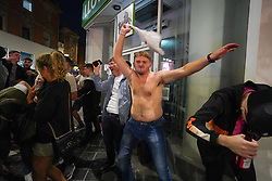 © Licensed to London News Pictures. 29/05/2021. Liverpool,UK. Revellers make the most of the Bank Holiday weekend in Liverpool. Photo credit: Ioannis Alexopoulos/LNP