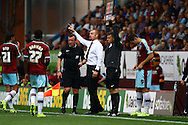 Burnley Manager Sean Dyche shouts instructions. Skybet football league championship match, Burnley  v Brentford at Turf Moor in Burnley, Lancs on Saturday 22nd August 2015.<br /> pic by Chris Stading, Andrew Orchard sports photography.