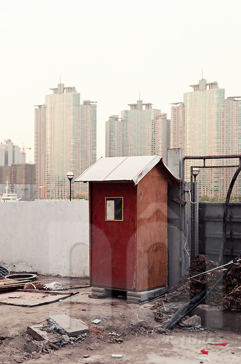 Cubicle of security services on a construction site, Shanghai, China, Asia, 2011