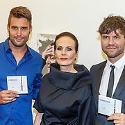 NLD/Zwolle20150917 - CD presentatie Open van Nick & Simon en expositie opening, Simon Keizer, Nick Schilder met kunstenares Ans Markus