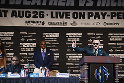 August 23, 2017 - Las Vegas, NV, USA - 170823 Floyd Mayweather och Conor McGregor under en presskonferens infÅ¡r boxningsgalan Mayweather vs McGregor den 23 augusti 2017 i Las Vegas  (Credit Image: © Joel Marklund/Bildbyran via ZUMA Wire)