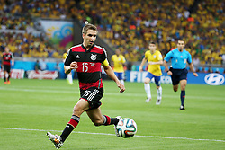 08.07.2014, Mineirao, Belo Horizonte, BRA, FIFA WM, Brasilien vs Deutschland, Halbfinale, im Bild Philipp Lahm (GER) // during Semi Final match between Brasil and Germany of the FIFA Worldcup Brazil 2014 at the Mineirao in Belo Horizonte, Brazil on 2014/07/08. EXPA Pictures © 2014, PhotoCredit: EXPA/ Eibner-Pressefoto/ Cezaro<br /> <br /> *****ATTENTION - OUT of GER*****