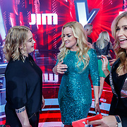 NLD/Hilversum/20180216 - Finale The voice of Holland 2018, Samantha Steenwijk en Anouk Teeuwe