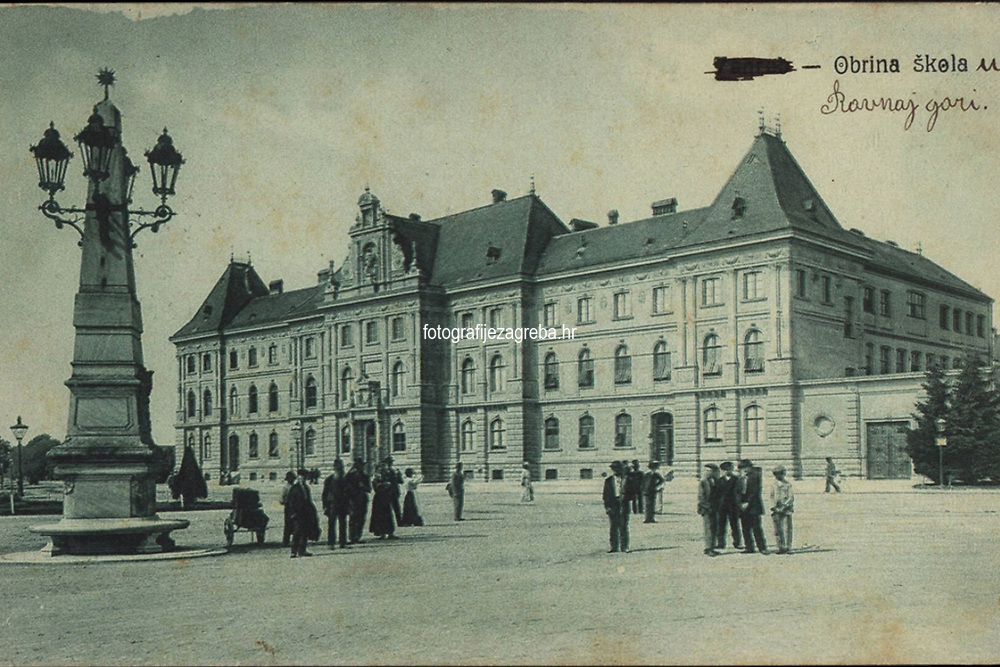Zagreb : Obrina škola. <br /> <br /> ImpresumS. l. : S. n., [1910].<br /> Materijalni opis1 razglednica : tisak ; 9 x 14 cm.<br /> Vrstavizualna građa • razglednice<br /> ZbirkaGrafička zbirka NSK • Zbirka razglednica<br /> ProjektPozdrav iz Hrvatske • Pozdrav iz Zagreba<br /> Formatimage/jpeg<br /> PredmetZagreb –– Trg Republike Hrvatske<br /> Muzej za umjetnost i obrt (Zagreb)<br /> SignaturaRZG-TMT-17<br /> Obuhvat(vremenski)20. stoljeće<br /> NapomenaRazglednica je putovala 1910. godine.<br /> PravaJavno dobro<br /> Identifikatori000953144<br /> NBN.HRNBN: urn:nbn:hr:238:960229 <br /> <br /> Izvor: Digitalne zbirke Nacionalne i sveučilišne knjižnice u Zagrebu