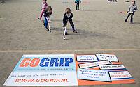 VELP - Hockey clinic van GoGrip op de velden van de Arnhemse Hockey Club. COPYRIGHT KOEN SUYK