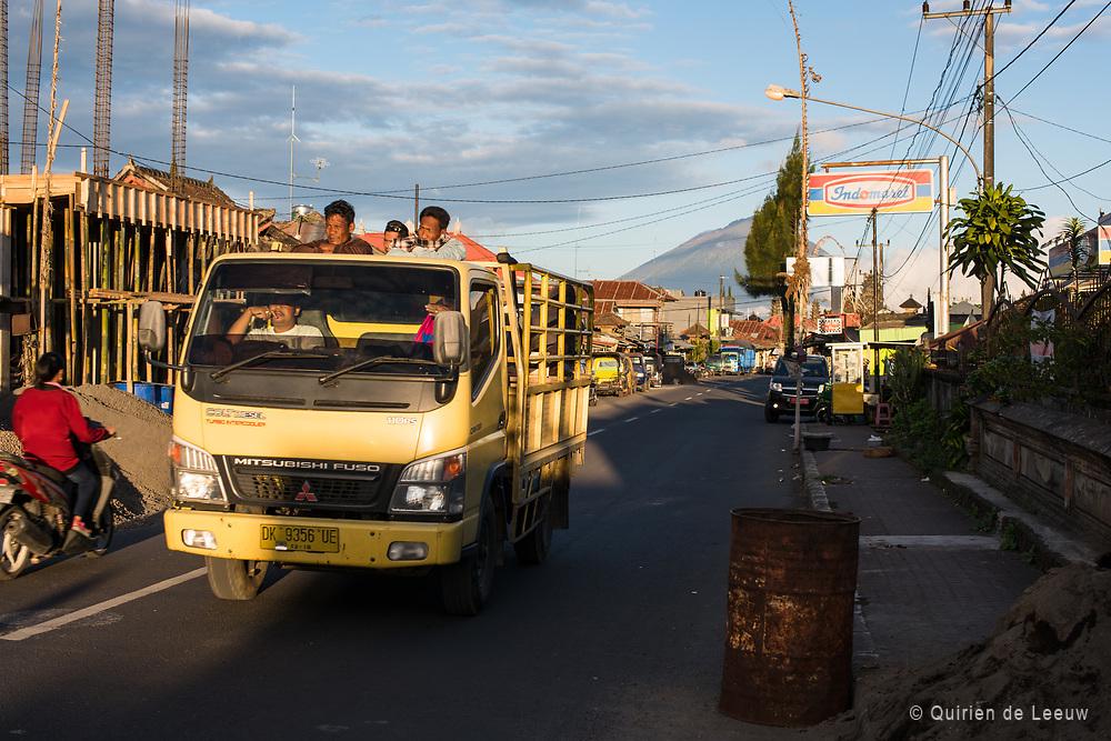 Een bergstadje op Bali, Gunung Batur mountain