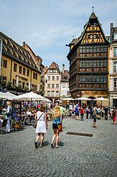 Tourists in the Place de la Cathédrale, Strasbourg, France<br /> <br /> (c) Andrew Wilson   Edinburgh Elite media