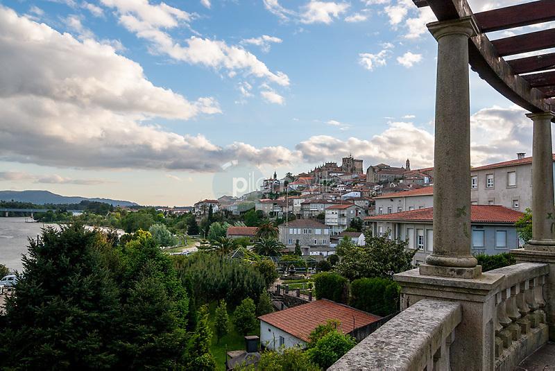 Vista de Tuy. Pontevedra. Galicia. España Europa ©Country Sessions / PILAR REVILLA
