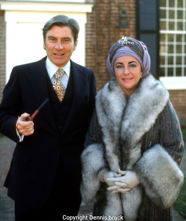 A 29 MG IMAGE OF:.Elizabeth Taylor and John Warner pose after Sunday morning church on the day after their marriage....Photo by Dennis Brack  B 8