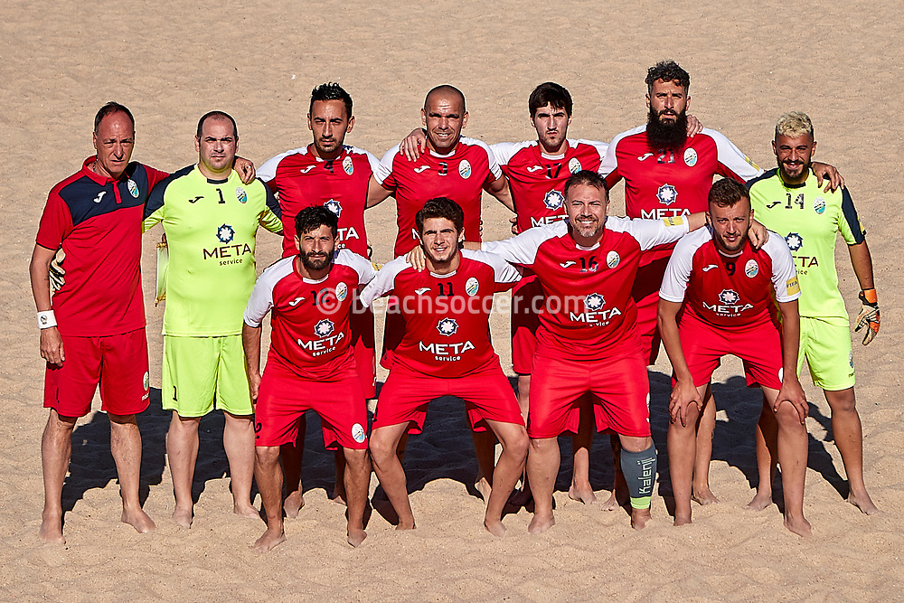 NAZARE, PORTUGAL - MAY 31: Atletico Licata BS line up during the Euro Winners Challenge Nazaré 2019 at Nazaré Beach on May 31, 2019 in Nazaré, Portugal. (Photo by Jose M. Alvarez)