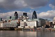 Londyn, 2009-03-06. Panorama miasta z bulwarów Tamizy