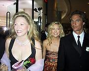 Faye Dunaway, Kate Hudson & Matthew McConaughey.2003 Golden Globes Arrivals Inside .Beverly Hilton Hotel .Los Angeles, CA, USA.Sunday, January 19, 2003.Photo By Celebrityvibe.com/Photovibe.com..