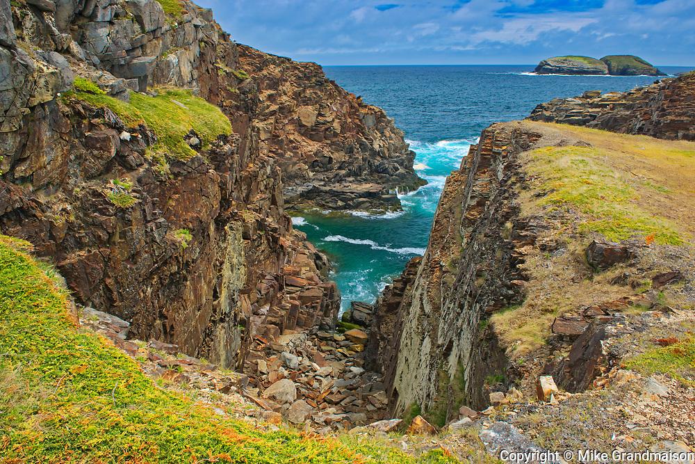 Rocky shoreline looking  towards the Atlantic Ocean on the Bonavista Peninsula.<br />Elliston<br />Newfoundland & Labrador<br />Canada