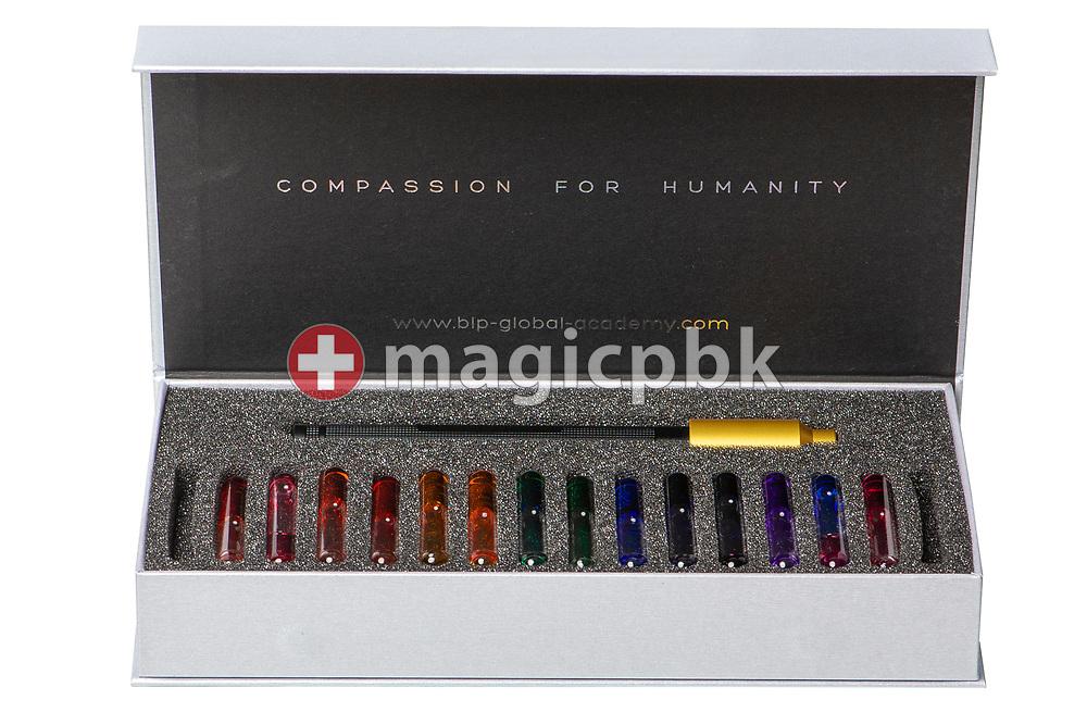 Aura-Soma® Light Beamer (Lichtstrahler) - Basis Set (Light Beamer, Box, Phiolen 5, 23, 87, 26, 4, 41, 3, 10, 2, 0, 1, 16, 20, 67)