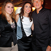 """NLD/Amsterdam/20120312 - Boekpresentatie Heleen van Royen """" Verboden Vruchten"""", Heleen van Royen met partner Ton en dochter Olivia"""