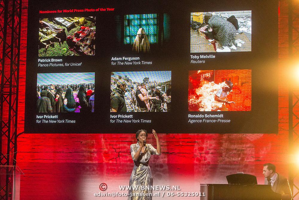 NLD/Amsterdam/20180412 - Prins Constantijn en Prinses Laurentien aanwezig bij uitreiking World Press Photo of the Year, Giovanca Ostiana
