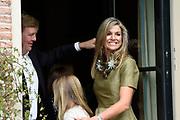 Koninklijke fotosessie 2016 op landgoed De Horsten ( het huis van de koninklijke familie)  in Wassenaar.<br /> <br /> Royal photoshoot 2016 at De Horsten estate (the home of the royal family) in Wassenaar.<br /> <br /> Op de foto / On the photo:Koningin maxima /  Queen Maxima