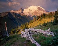 Sunrise on Mount Rainier 14,411¬?ft (4,392¬?m) from Yakima Park, Mount Rainier National Park Washington USA
