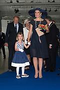 Koningin Maxima doopt het cruiseschip ms Koningsdam van Holland America Line in Rotterdam.<br /> <br /> Queen Maxima at the cruise ship ms Koningsdam Holland America Line in Rotterdanm for namen the ship.<br /> <br /> op de foto / On the photo: Koningin Maxima met Tess de Vries, de dochter van de kapitein / Queen Maxima with Tess de Vries, the daughter of the captain