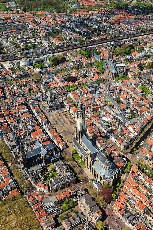 Nederland, Zuid-Holland, Delft, 09-05-2013; <br /> Historisch centrum van Delft zicht op de Markt met terrassen, de Nieuwe Kerk rechtsbeneden, haaks erop de Maria van Jessekerk, en het stadhuis er tegenover, linksboven de Oude Kerk. <br /> Historic center of Delft with terraces overlooking the Market, the New Church (r ) and Town Hall (l ).<br /> luchtfoto (toeslag op standard tarieven)<br /> aerial photo (additional fee required)<br /> copyright foto/photo Siebe Swart<br /> luchtfoto (toeslag op standard tarieven)<br /> aerial photo (additional fee required)<br /> copyright foto/photo Siebe Swart