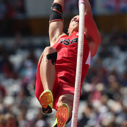Trey Hardee, USA, in action in the Pole Vault during his Silver Medal performance in the Men's Decathlon at the Olympic Stadium, Olympic Park, during the London 2012 Olympic games. London, UK. 9th August 2012. Photo Tim Clayton
