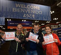 01-11-2013 ALGEMEEN: BVDGF NY MARATHON: NEW YORK <br /> Inschrijving Expo 2013 / Yes, we hebben onze nummers met Haraold, Marc en Jessie<br /> ©2013-WWW.FOTOHOOGENDOORN.NL