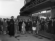 26/04/1959<br /> 04/26/1959<br /> 26 April 1959<br /> Cardinal Cushing leaves for Boston from Dublin Airport. The Cardinal addresses the crowd by terminal building before boarding his flight.